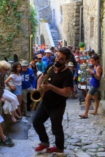 IMG_16088794_Deambulation-Musicale- Septet-des-Elephants Labeaume-en-Musique-2016 Culture Labeaume Ardeche