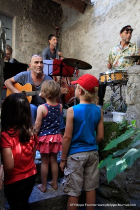 IMG_16088881_Deambulation-Musicale- Septet-des-Elephants Labeaume-en-Musique-2016 Culture Labeaume Ardeche